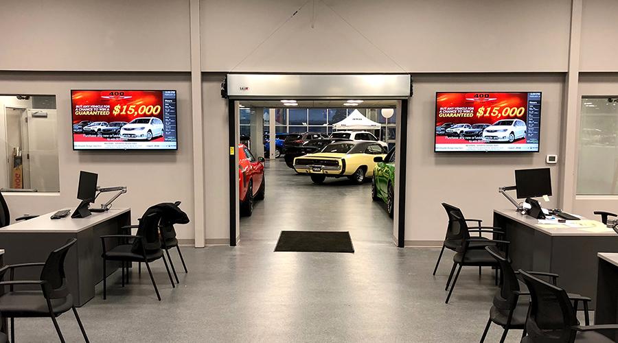 Chrysler Service Digital Signage